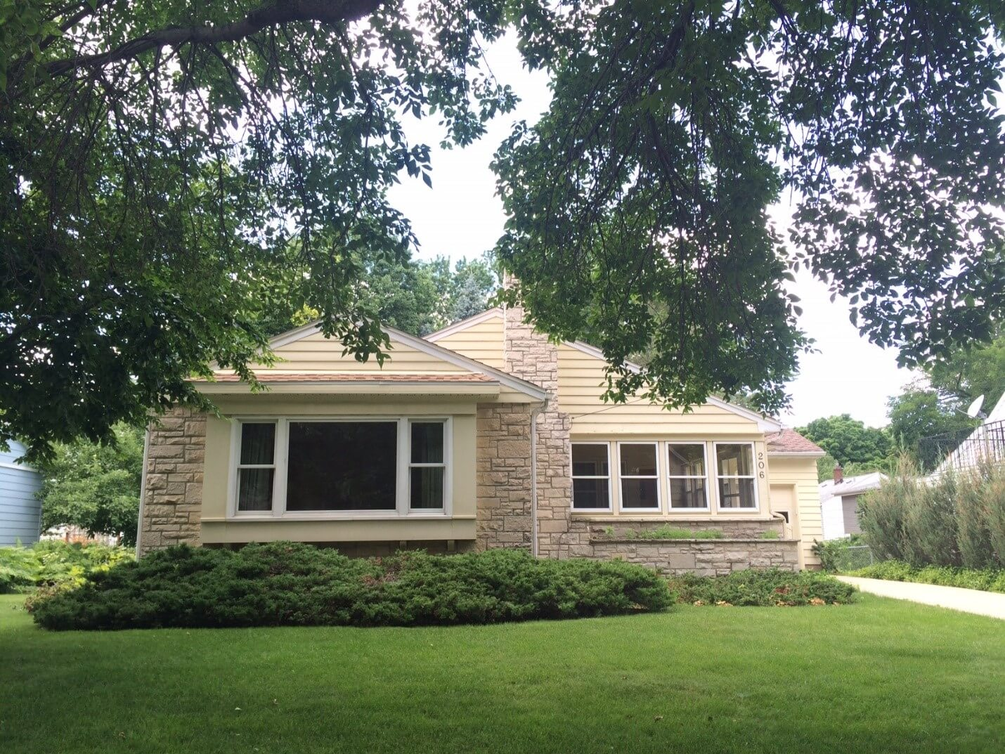 JUST SOLD!  206 N. Franklin Avenue by Kate Weis