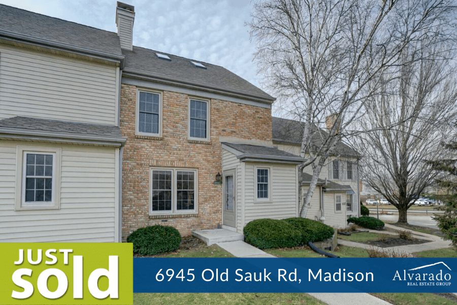 Cute Cream Colored Condo in Old Sauk Rd. Condo just sold
