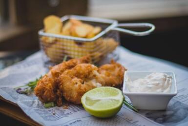fish fry with lemon wedge